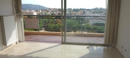Proche centre Leclerc, 3 pièces plein sud, 69 m², terrasse