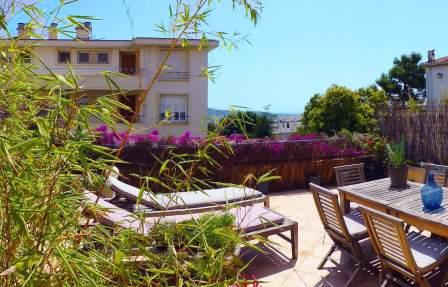 Broussailles, 2 Pièces meublé avec gout, grande terrasse aperçu mer