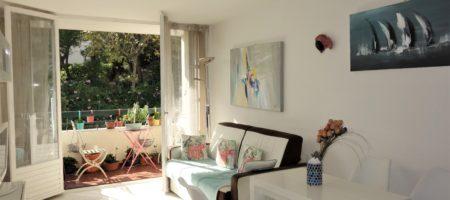 Broussailles, 2 Pièces meublé avec gout, calme, balcon, parking et cave