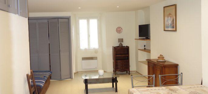 Suquet, Grand studio meublé, propre et fonctionnel