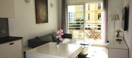 Cannes Montfleury, 2 pièces de standing avec terrasse sud, cave
