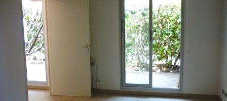 Le Cannet, studio avec jardin privatif, parking, cave