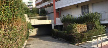 Quartier Stanislas, Garage fermé, résidence sécurisée, porte électrifiée