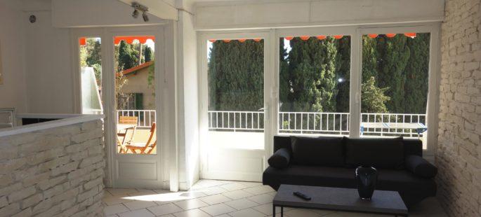 Proche mer et Suquet, Grand studio meublé avec terrasse, parking